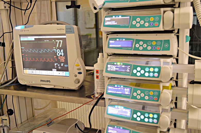 """Komentarze na pielegniarki.info.pl na słowa przewodniczącej związków pielęgniarskich, że """"pielęgniarki nie są przypisane do oddziałów. Ogólnie szpitale zatrudniają pielęgniarkę na szpital. Jest więc możliwość przesuwania pomiędzy oddziałami""""."""