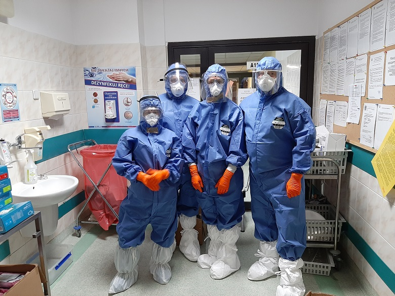 Wymagana liczba pielęgniarek na oddziale OIOM COVID.