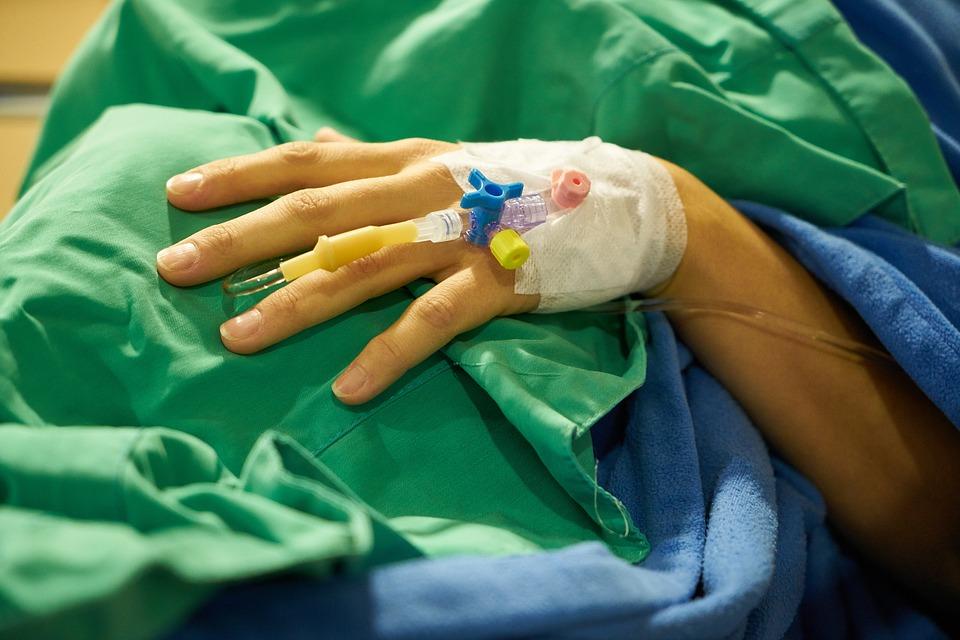 Pielęgniarki: spłaszczenie płac pielęgniarek z personelem niemedycznym.