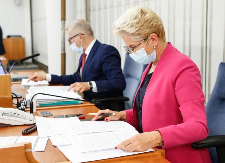Senat: pielęgniarki podzielić na 4 grupy w siatce płac.